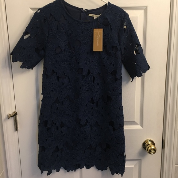 Francesca's Collections Dresses & Skirts - 3/4 sleeve lace dress